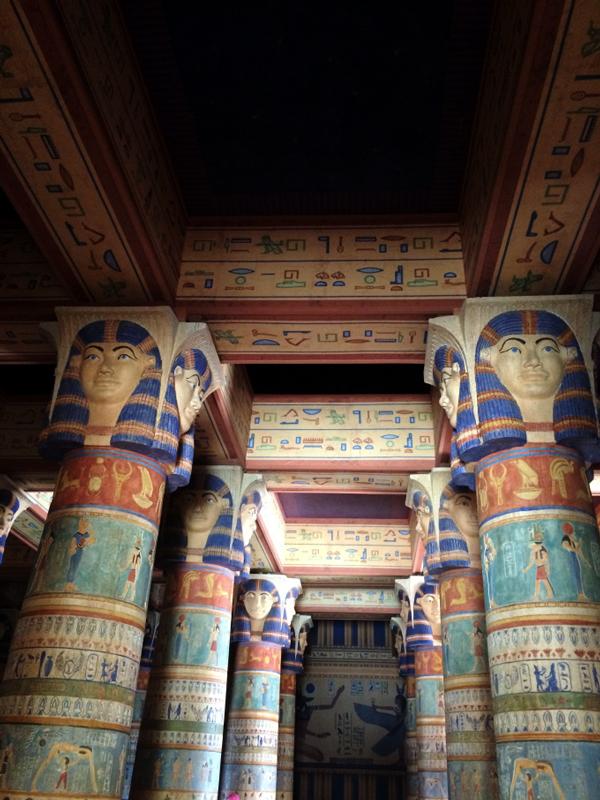 Intrerior do salão egípcio onde foi gravado um dos filmes da Cleópatra.