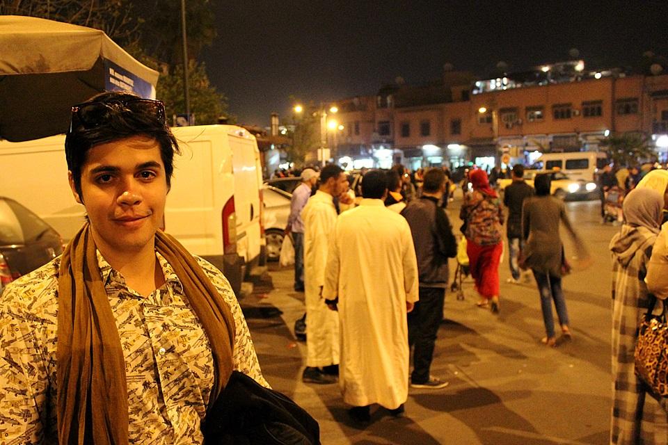 Marrakech a noite.