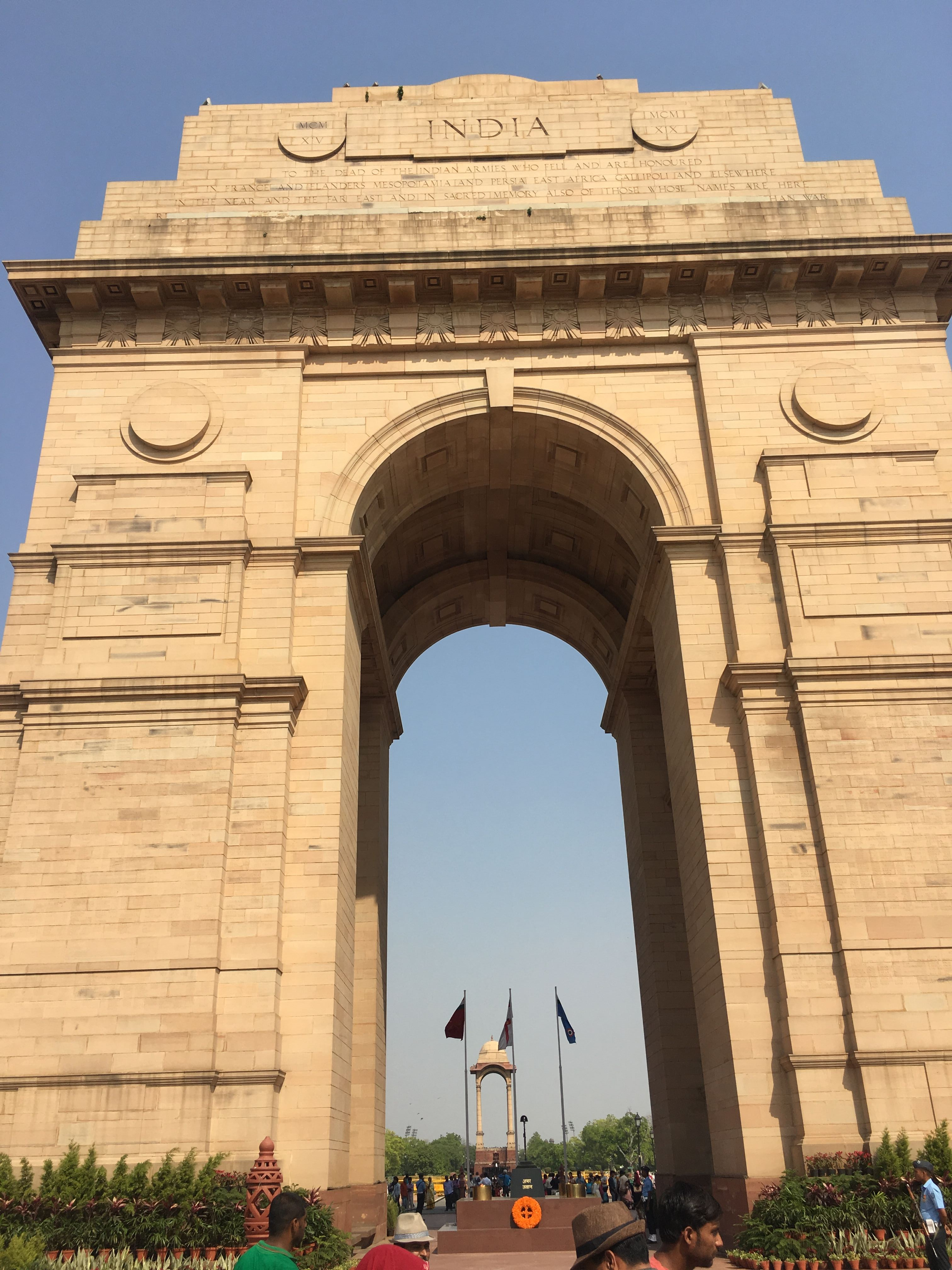 india-gate-nova-delhi-india-nao-e-caro-viajar