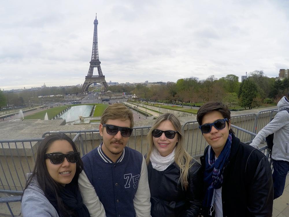 Vista da Torre Eiffel e do Jardim du Trocadéro.