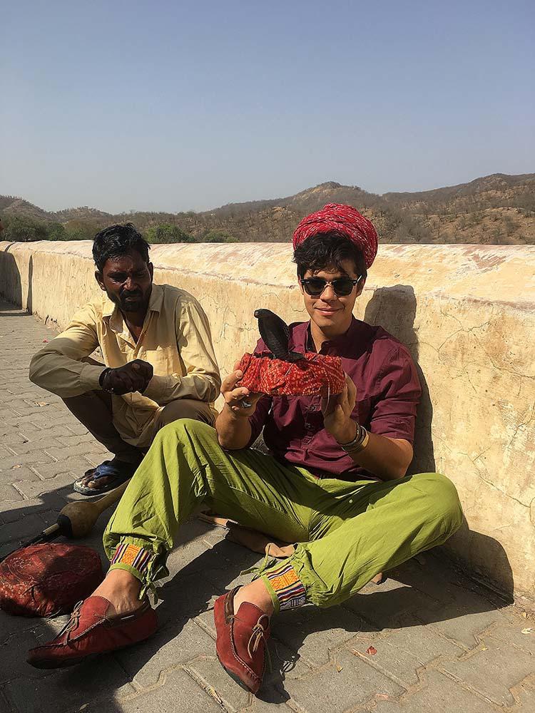 india_jaipur_amber_fort_palace_palacio_nao_e_caro_viajar_encantador_de_serpente