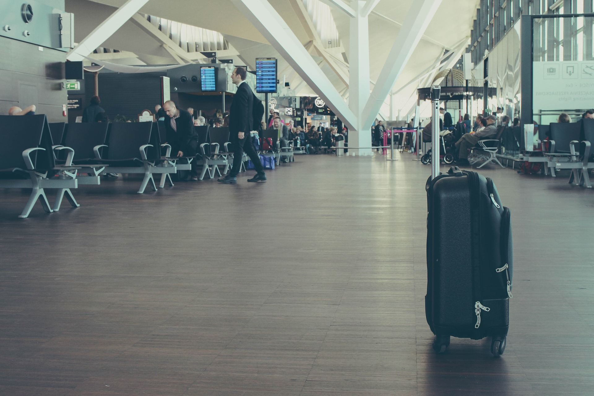 Viajando só com a mala de mão