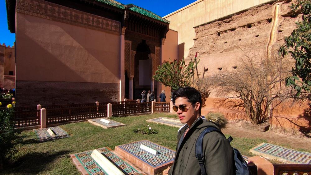 Rodrigo visitando os Túmulos Saadinos em Marrakech.