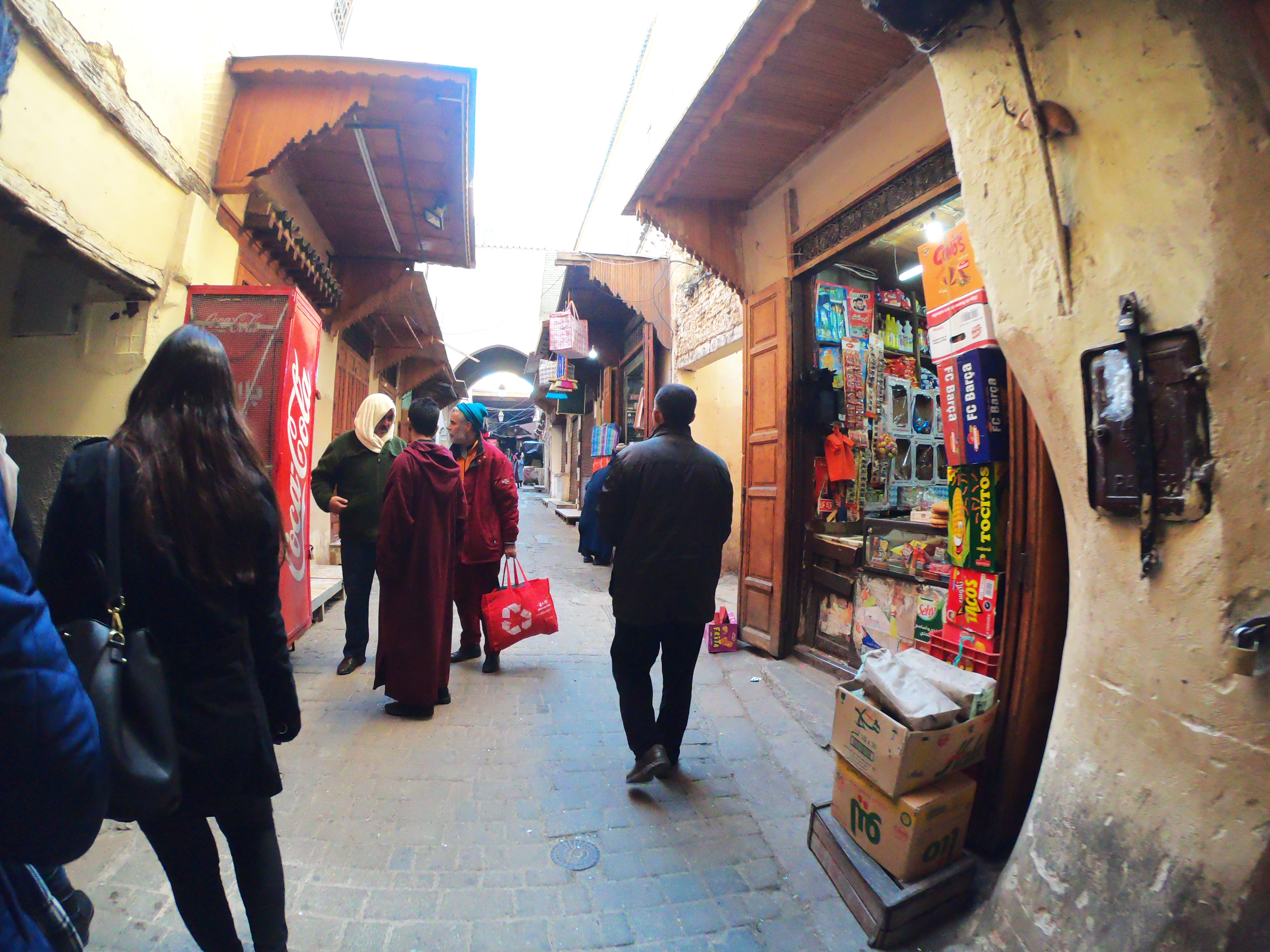 nao-e-caro-viajar-medina-marrocos-meknes