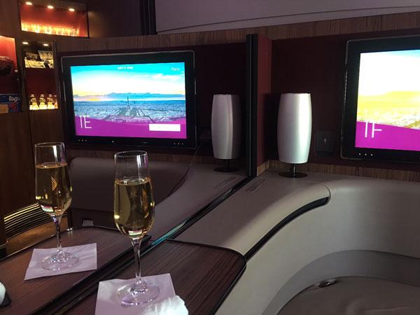 Como é voar na primeira classe da Qatar Airways no A380-800