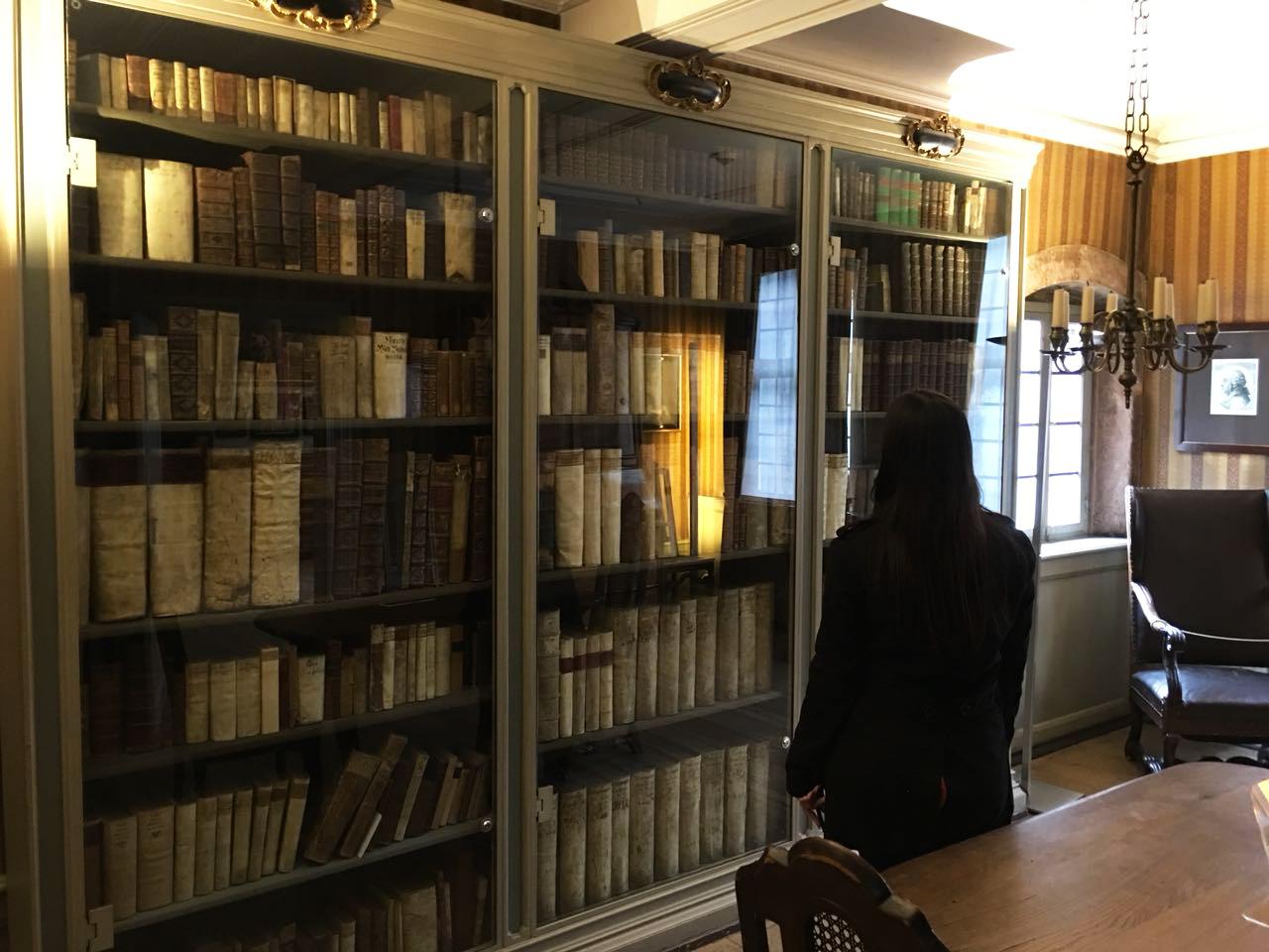 Biblioteca da casa