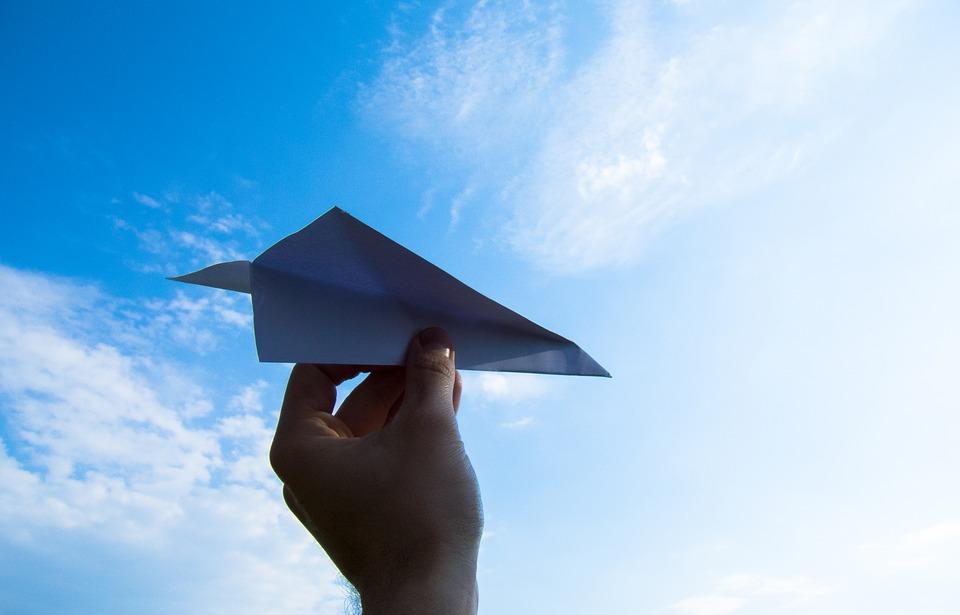 nao-e-caro-viajar-como-acumular-milhas-aereas-aviao-de-papel