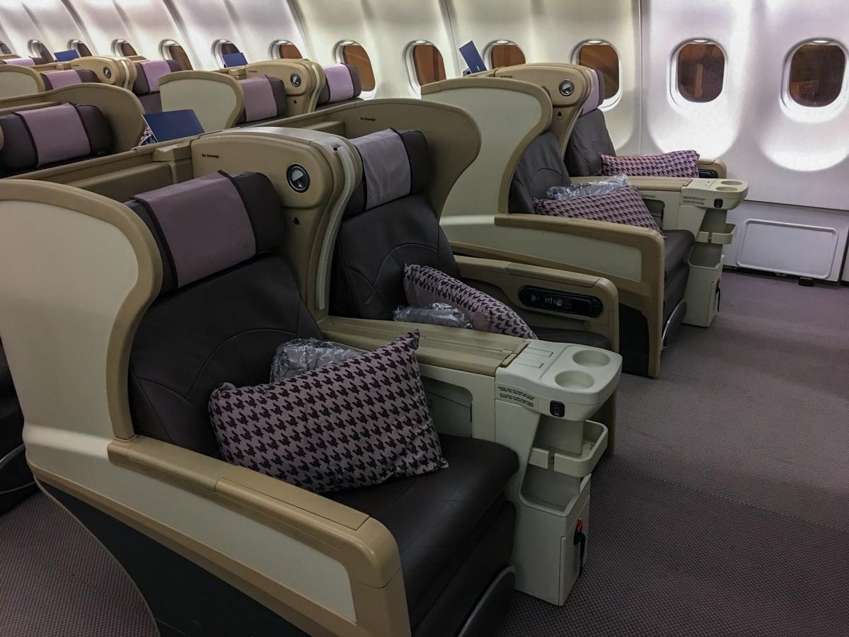 Como é voar na classe executiva da Singapore Airlines no A330-300 – Bangkok para Singapura