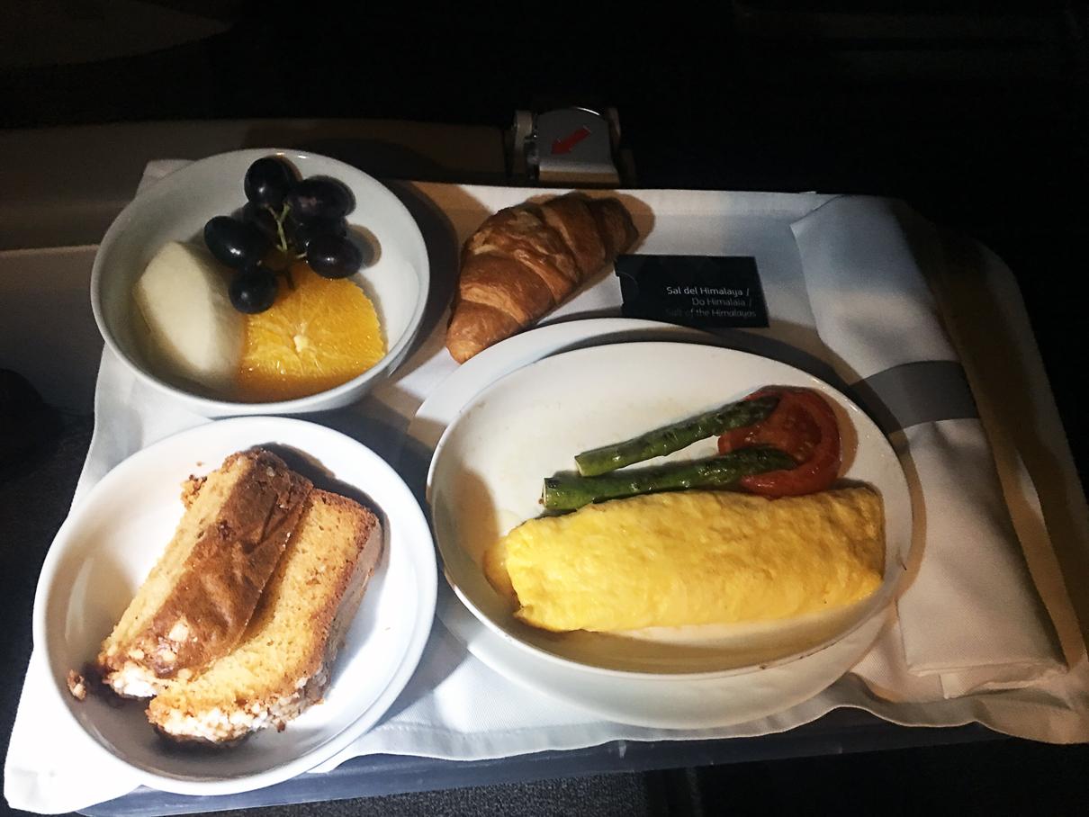 Refeição: Classe executiva do B777-300 da Latam Airlines