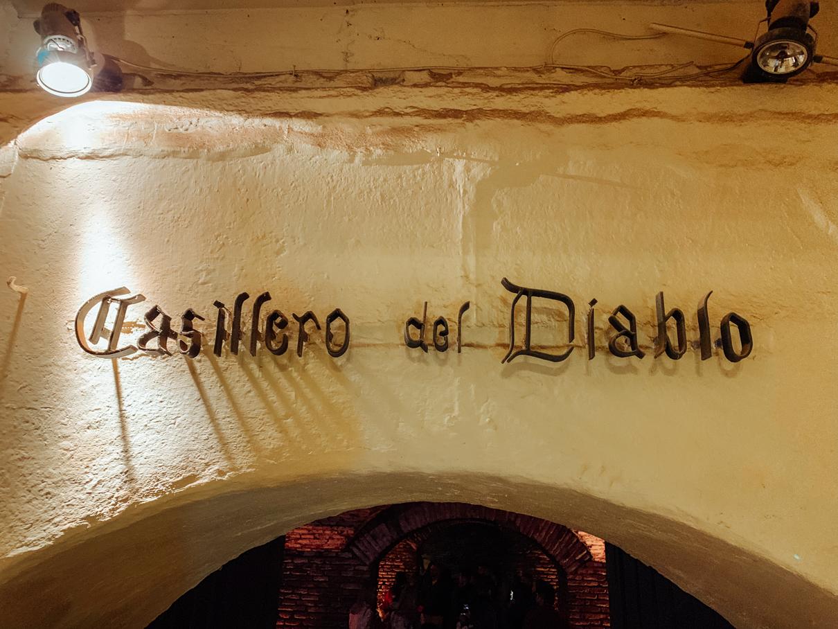 Adega Casillero del Diablo na vinícola Concha Y Toro