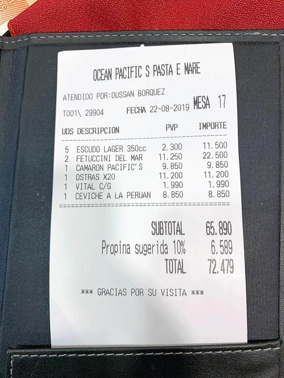 Valor total do nosso pedido no Ocean Pacific´s restaurante em Santiago no Chile